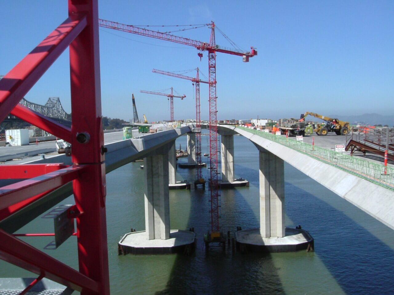 engineering-risk-mitigation-san_francisco_oakland_bay_bridge_between_the_spans